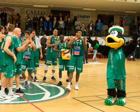 Nässjö Basket svarar för en riktigt bra insats och vinner kvällens  hemmamatch efter dubbla förlängningar mot topplaget Borås Basket. cdda451625cab